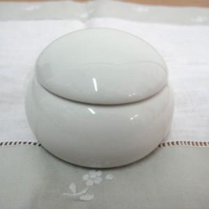 Κουτί πορσελάνη στρογ. άσπρο 7Χ7Χ4,5