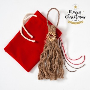 Χριστουγεννιάτικο Κρεμαστό Γούρι Με Μεταλλικό Χρυσό Στεφανάκι.